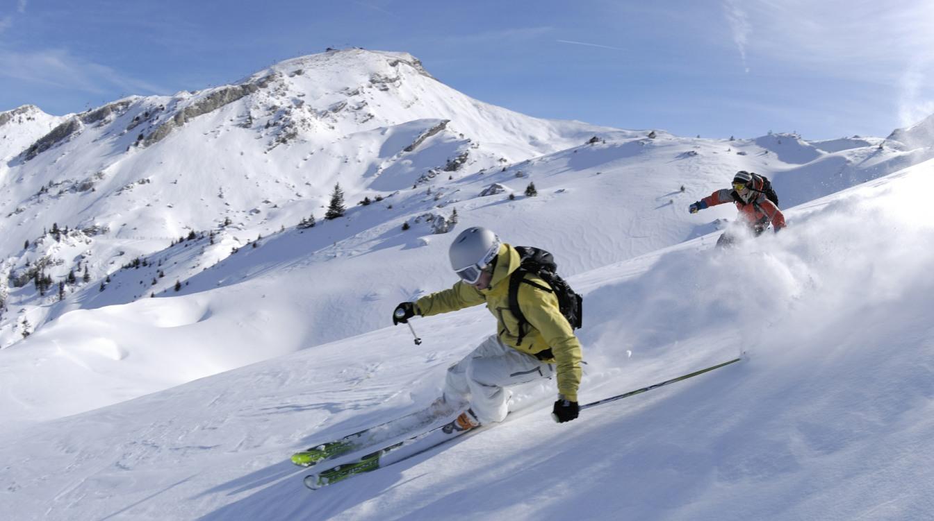 Nordmenn blir født med ski på beina